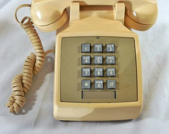 Vintage 1971 Touchtone Desk Telephone Western Electric Bell System
