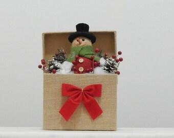 Rustic snowman, Burlap Snowman, Snowman in box, Snowman decor, Christmas decoration, Holiday decor