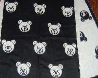 MOSCHINO  Black and white Teddy bear scarf