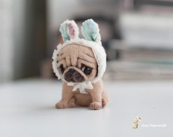 Tiny dog.made to order 10 -14days,needle felted dog.8 cm the pug dog/to the top of the bunny hat is 10 cm is tall.