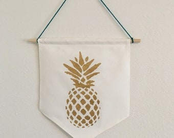 Pineapple Painted Canvas Wall Hanging