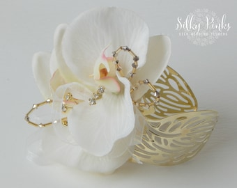 Wrist Corsage, Gold Wedding Corsage, Gold and Ivory Wedding Cuff, Prom Corsage, Mother of the Bride Flower, Wedding Accessories