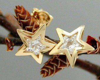Intricate stars Studs zirconia, 9K GOLD