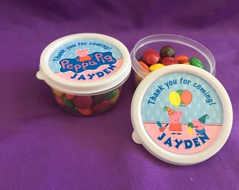 10 Personalized Peppa Pig Candy containers / candy cups with lids / party favors