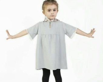 Mini plush dress with lace details and mother of Pearl