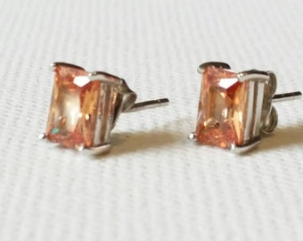 Silver and citrine quartz earrings. Silver. Quartz. Earrings