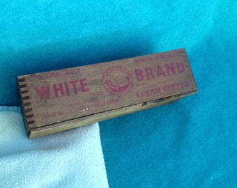 Old Pine Wood White Brand Cream Cheese Advertising Dovetail Box Crate Vintage