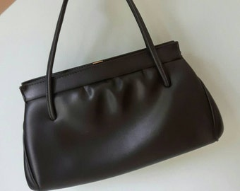 Classic vintage 1950s/60s soft black handbag