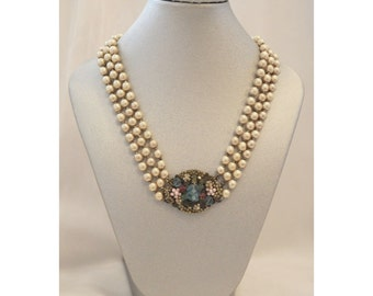 1940's Signed Miriam Haskell Pearl Pendant Necklace