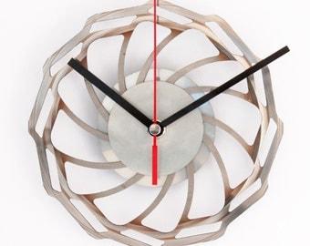 Brake clock - wall clock out of brakedisk