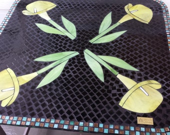 Mosaic Glass Small Table / Alcatraz / Lily in Yellow