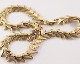 Leaf Necklace Old Gold Color Vintage Choker Necklace Classic Necklace for Office