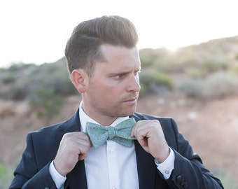 Bow Tie, Solid Mint Men's Bow Tie