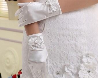 Luxury satin gloves White gloves Bowknot bridal gloves wedding gloves Beaded bridal gloves