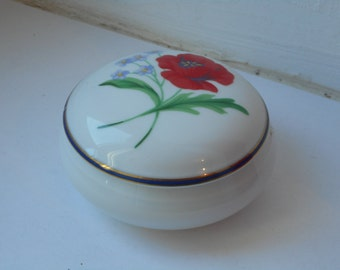French porcelain decorative lidded trinket box