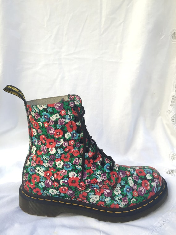 floral doc martens. Black Bedroom Furniture Sets. Home Design Ideas