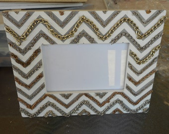 Embellished Picture / Photo Frame Chain Zig Zag Desk Top