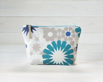 Retro Blue Floral Cosmetics Bag