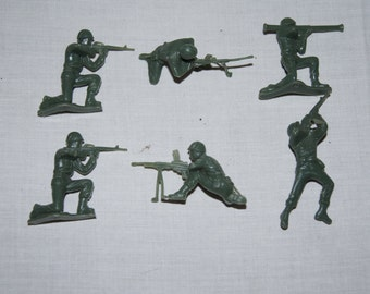 Vintage 1980's - Little Green Army Men Set of 6