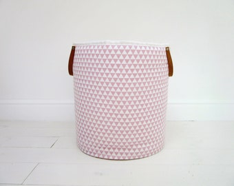 Basket pink small triangles