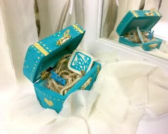 Jewelry chest