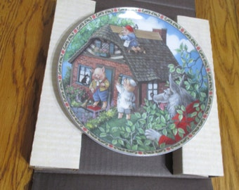 """Edwin M Knowles -  """"The Three Little Pigs"""" Plate"""