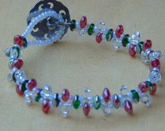 Red, green and white beaded bracelet - Christmas bracelet - Christmas jewelry - Handmade jewelry - Handmade bracelet - SRAJD