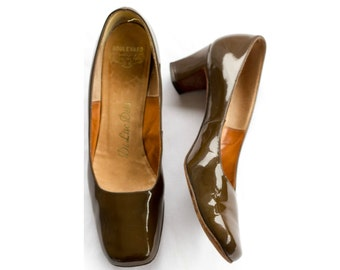 60s brown patent leather pumps with chunky heels SIZE 8 AAA