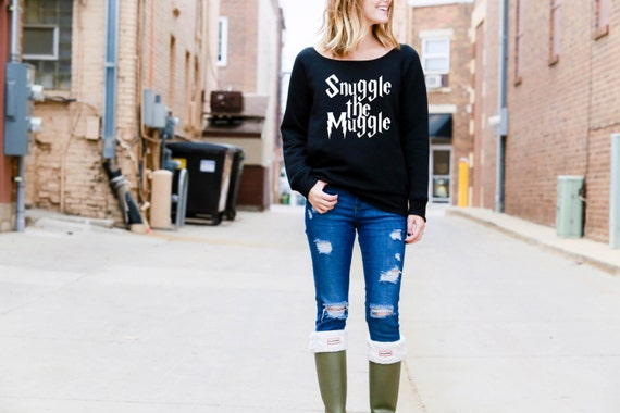 Snuggle the Muggle - Harry Potter - Wide Neck Sweatshirt - Black or Grey