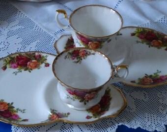 Superb Royal Albert Old Country Roses Tennis / TV Set
