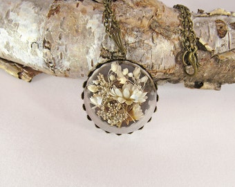 Real flower necklace, dried flower pendant, glass globe necklace, terrarium necklace, white flower pendant