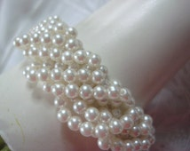 Vintage Twisted Pearl Bracelet, 1970s Fun Fashion, 2 Layer Weave, Faux Pearls, Cute Neutral Accessory ~