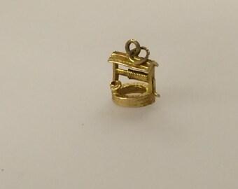 9ct Gold Wishing Well Charm