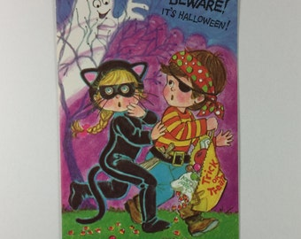Trick or Treat Beware of the Ghost Vintage 1970s Rousana Unused Halloween Greeting Card