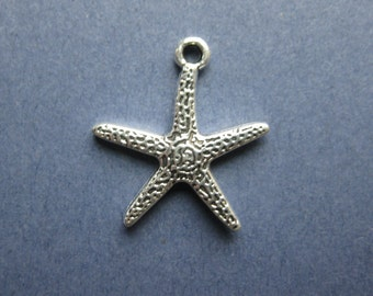 10 Starfish Charms - Starfish Pendants - Ocean Charm - Beach Charm - Antique Silver - 18mm x 20mm -- (No.54-10198)