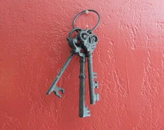 Keys, Cast Iron Keys, 3 keys, Wall Decor, Skeleton Keys on a Ring, Vintage Iron Keys, Cottage Chic Decor, Shabby Chic Wall Decor, Unique