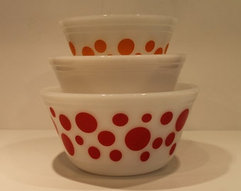 Federal Glass - Polka Dot - Milk Glass- Mixing Bowls - Red and Orange Dot Bowls - Set of 3 Nesting Bowls