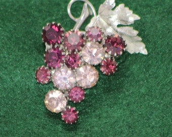 Rhinestone Grapes on the vine Brooch
