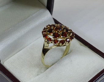 333 gold ring with Garnet stones 17.6 mm GR204
