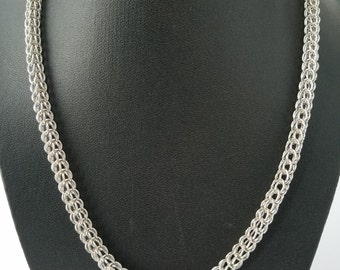 Rhodium plated chainmaille necklace - full persian weave - metal rings - handwoven