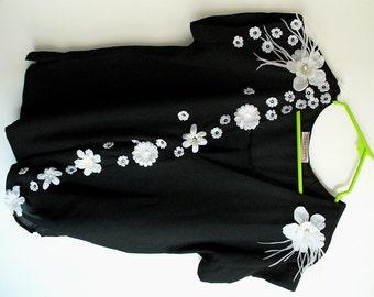 Blouse, top, tunique, shirt, haut, hand embroidered, hand made, unique piece, wearable art, black, flowers appliqués, elegant, feathers