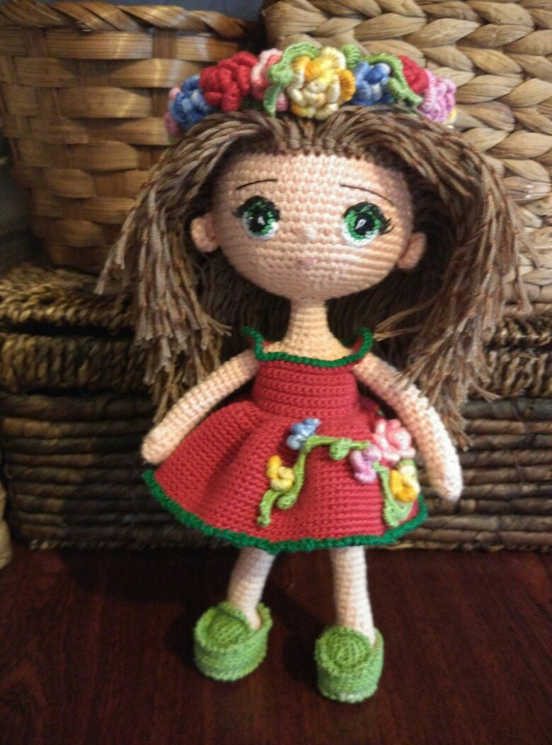 Amigurumi Doll Hands : Doll. Toy handmade. Amigurumi. Doll with flowers. Knitted toy.