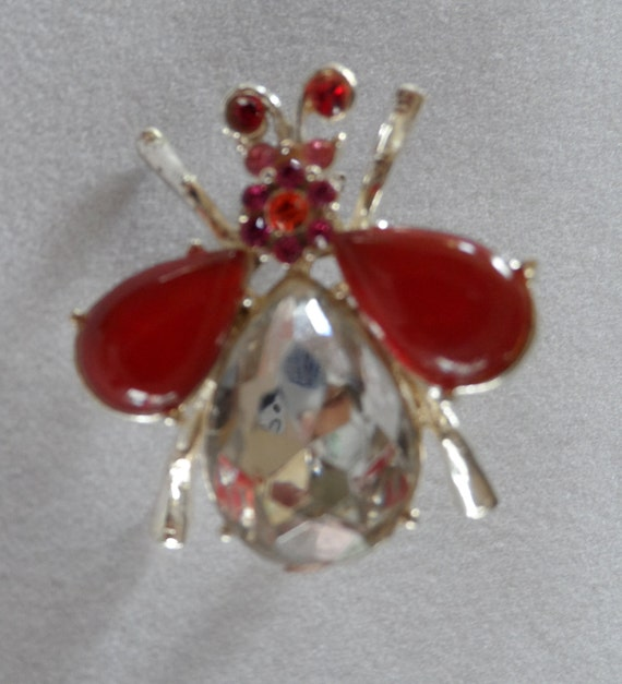 Brooch pretty silver tone bug with clear, red and pink stones - pin - Vintage