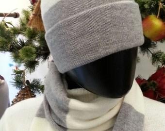 Cashmere hat voiced
