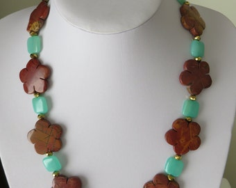 Brown and green unique Flowernecklace  Ref 2263