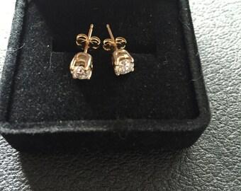 Sienna  Diamond Stud Earrings 18kt Gold Posts Brand New