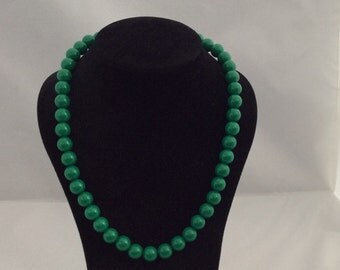 Green chocker necklace