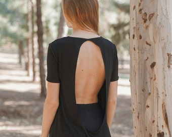 50% OFF!!! Short Sleeves T-shirt in Jersey Cotton with Drop-shaped Open Back and Metal Studs - Witch Collection