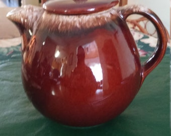 Vintage Hull Pottery Co 5 Cup Teapot with Lid