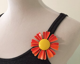 Vintage 1960s Orange and Yellow Metal Flower Child Pin/Brooch
